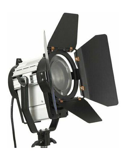Louer Location Projecteurs Fresnel led 150W projecteur studio éclairage vidéo Aix en Provence